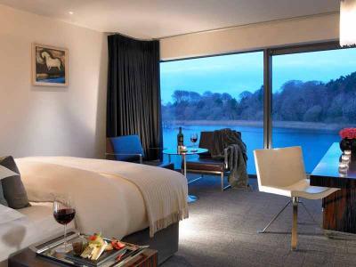 Crimson Riverside Deluxe Bedroom