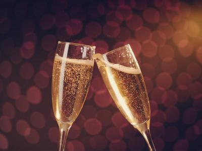 champagne-glasses-april25