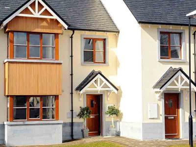 Self Catering - Front Of House - Sept