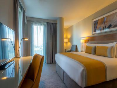Room 411
