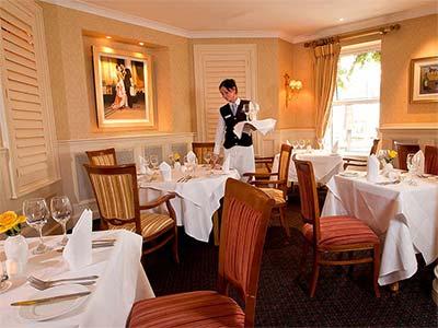 Hodson Bay Hotel restaurant