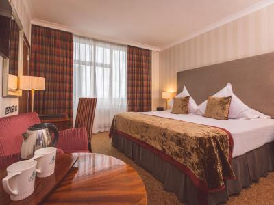 Superior-Bedroom-EuropaHotel-Belfast