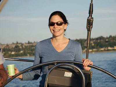 Lady_Sailing_1