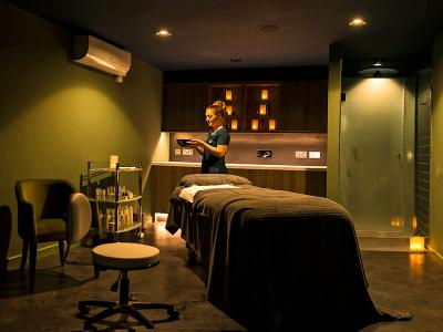Spa treatment room - Hatherley Manor Hotel