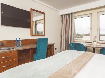 Stormont Hotel Executive Bedroom 2017