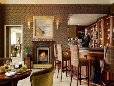 Doolittle Bar
