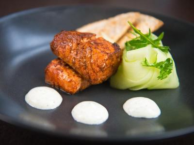 the-yorkshire-hotel-scran-restaurant-tandoori-salmon-cucumber-yo