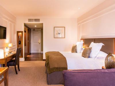 slievedonard-resortroom2
