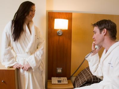 Holyrood apartHOTEL Couple in Bedroom