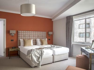 Deluxe 2 bed with garden view