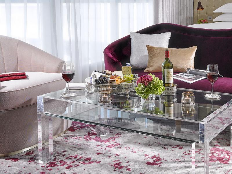 Luxury Room Table
