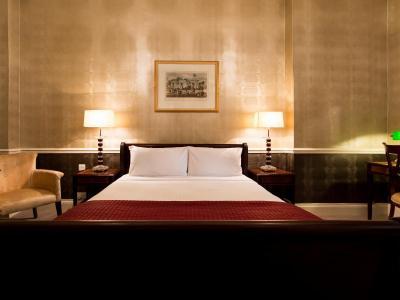Crown Rooms +