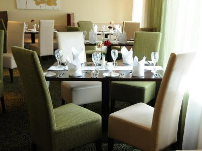 McWilliam Park Hotel rest.JPG