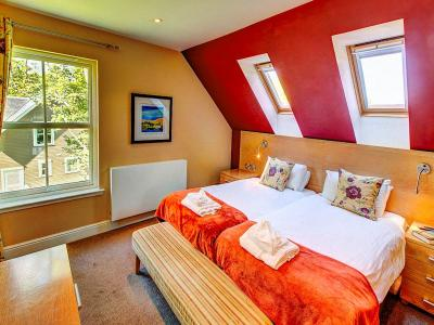 bedroom 2 6 (2)