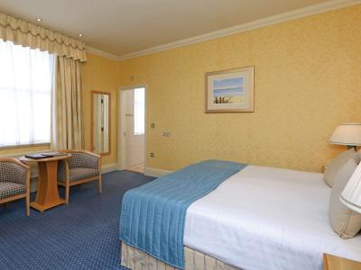Imperial Hotel - Standard Double Room