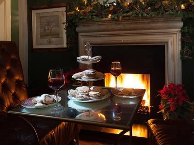 Christmas at the Lodge II