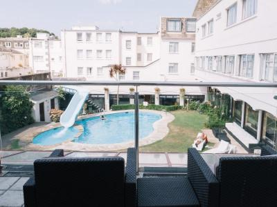 Balcony 02