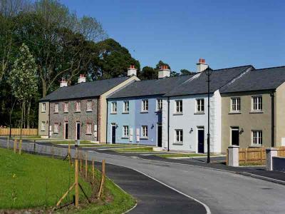 Castle Leslie Real Estate - Street Scape