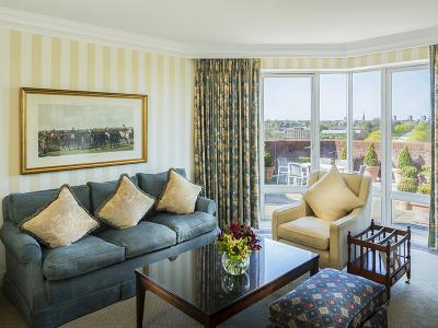 Deluxe Two Bedroom Hyde Park View