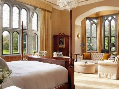 Dunraven Stateroom King Bedroom 1