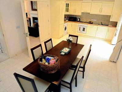 Self Catering - Kitchen - Sept