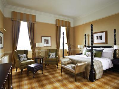 Dalmahoy Hotel and Country Club - Period Suite