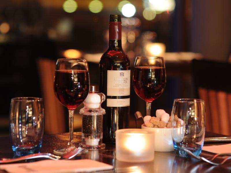 Bar & restaurant 2