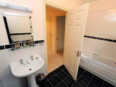 Self Catering - Bathroom - Sept