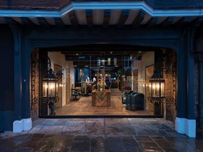 The Falstaff in Canterbury Entrance
