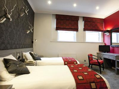 St James Hotel - Classic Twin Room