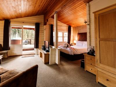 Chevin Country Park Hotel and Spa - Woodland Cabin Deluxe Double