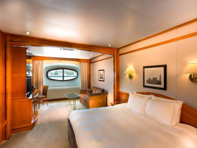 Yacht Classic Riverside Room