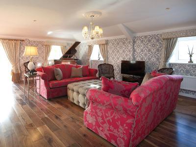St James Hotel - Penthouse Suite