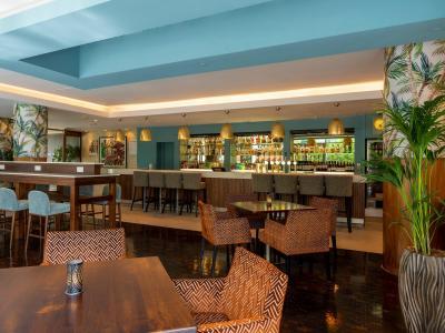 River Bar & Restaurant