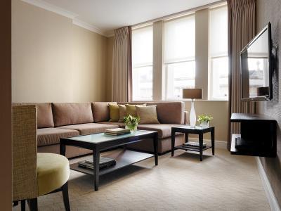 Luxury One Bedroom 1