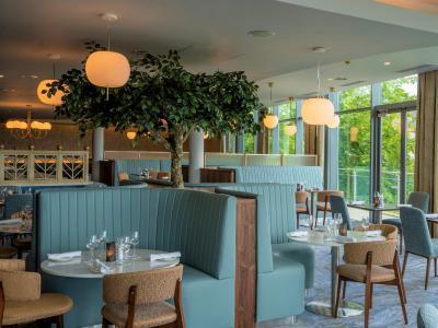 River Restaurant Tree Detail