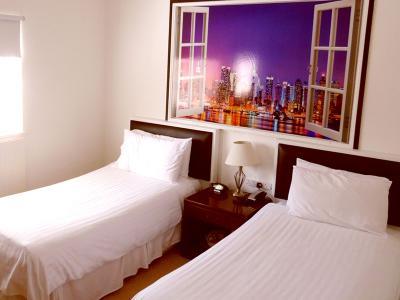 nwh twin room