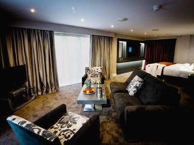 2017 bridal suite 5