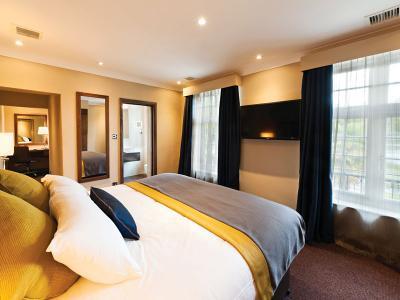 Birch Suite with Pond View - Frensham Pond Hotel