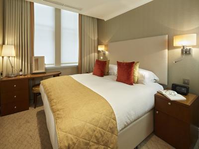 Luxury Two Bedroom 1