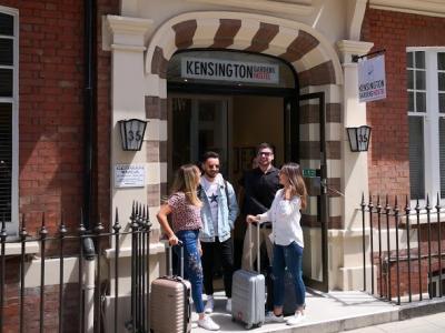 Kensington Gardens Hostel entrance