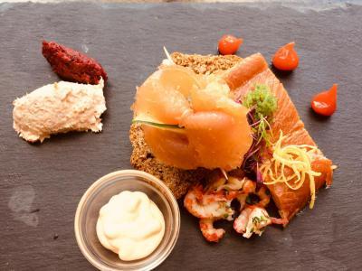 DINNER SMOKED FISH PLATTER