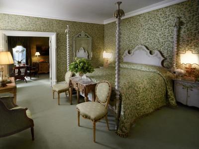 Suite_room433_001_S