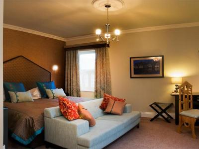 Quays Room