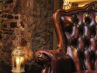 Dungeon Armchair