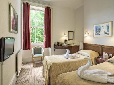 Twin Non Ensuite Room at The Washington Bristol