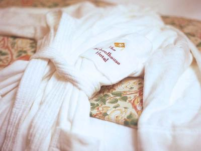 Schoolhouse Bathrobe