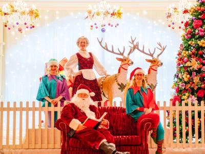 Supper with Santa_Christmas_Santa_Elves