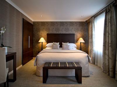 Deluxe Room 51 2