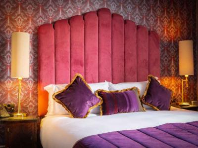 Intimate Double Room (2)